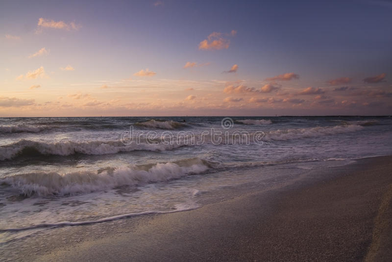 Het gelijk maken op het strand stock foto