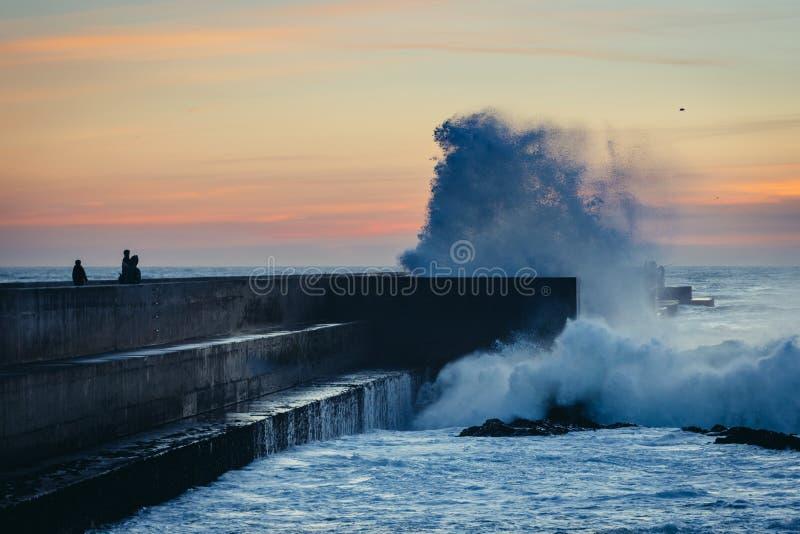 Het gelijk maken over oceaan in Porto royalty-vrije stock foto