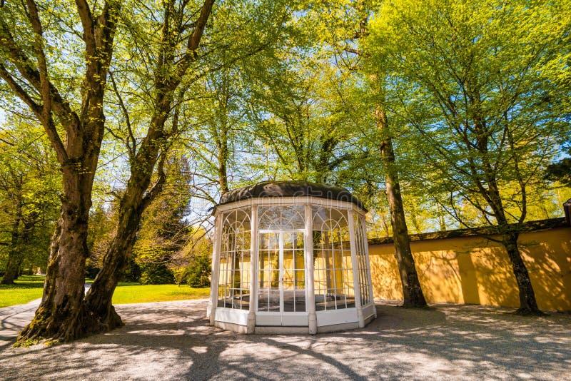 Het `-Geluid van muziek` pavillion in Helbrunn-park, Salzburg, Oostenrijk royalty-vrije stock foto