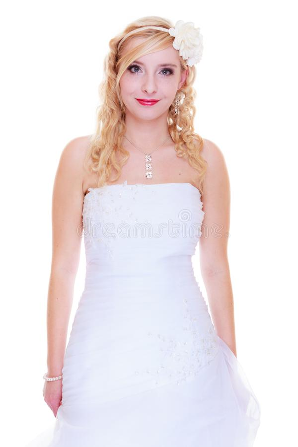 Het gelukkige bruid stellen voor huwelijksfoto stock afbeeldingen