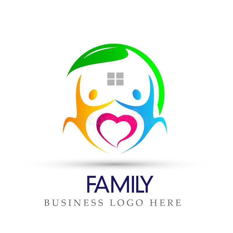 Het gelukkige hart van de familieliefde in het symbool van het het embleempictogram van het aardhuis op witte achtergrond stock illustratie