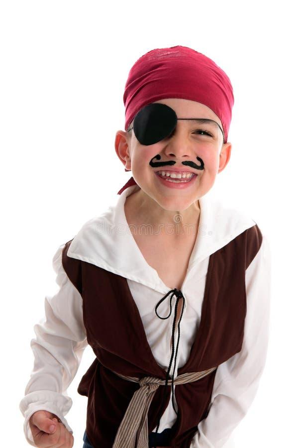 Het gelukkige kostuum van de jongenspiraat stock afbeeldingen