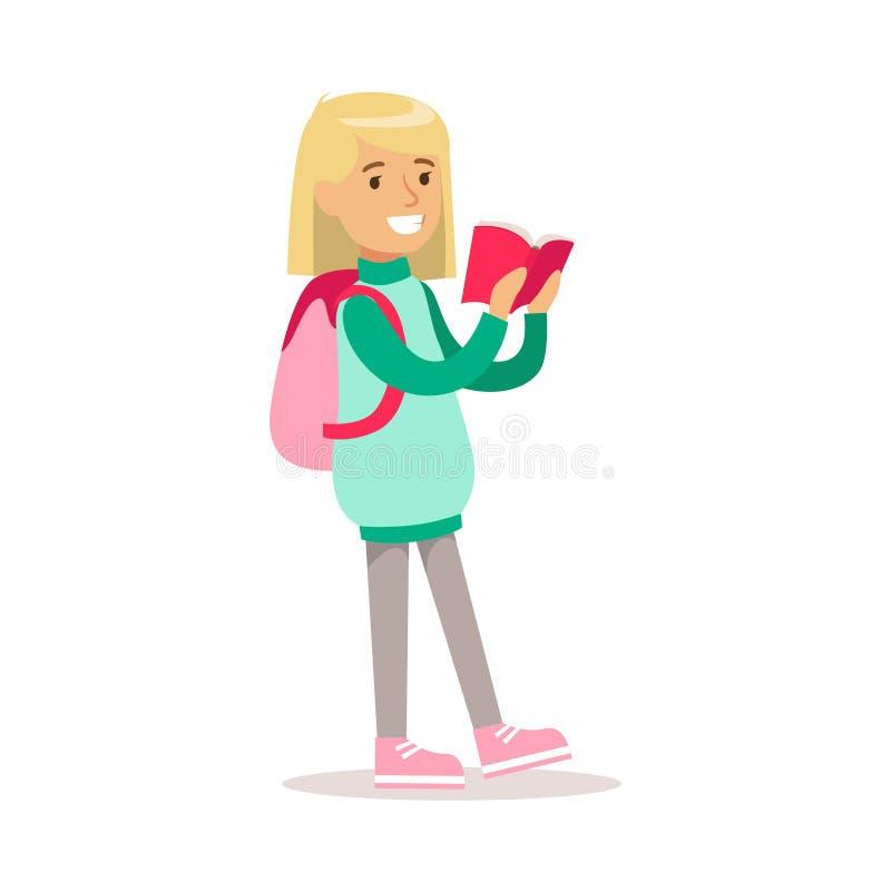 Het gelukkige Meisje in Klassieke Girly-Kleur kleedt Glimlachend Beeldverhaalkarakter die met Backpacl lopen een Boek lezen stock illustratie