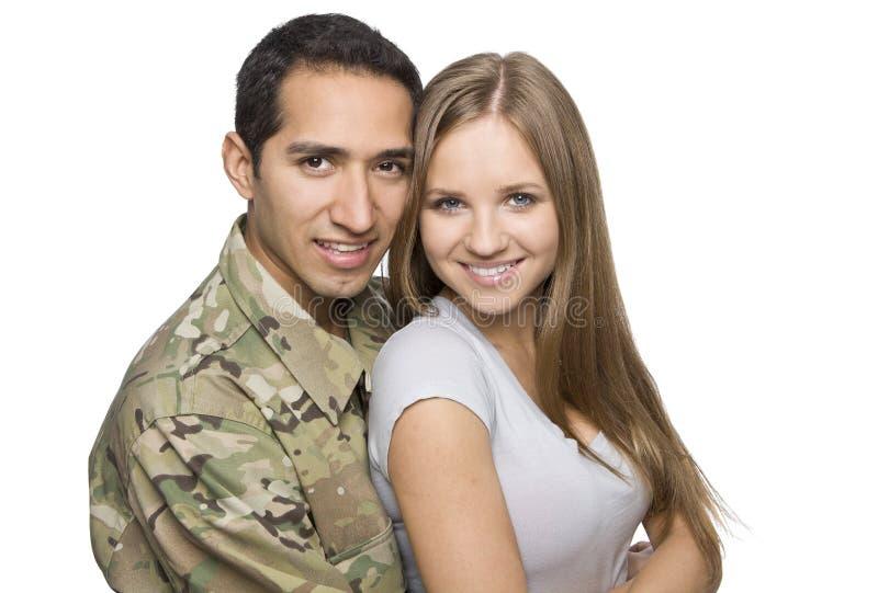 Het gelukkige Militaire Paar omhelst royalty-vrije stock foto