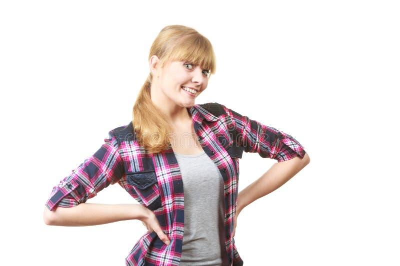 Het gelukkige vrolijke kijken vrouw in geruit overhemd stock afbeelding