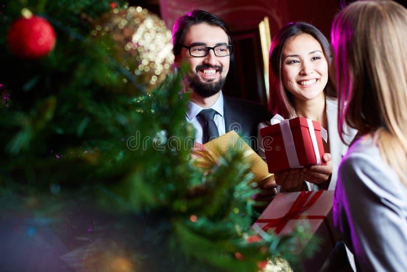 Het gelukwensen met Kerstmis royalty-vrije stock foto