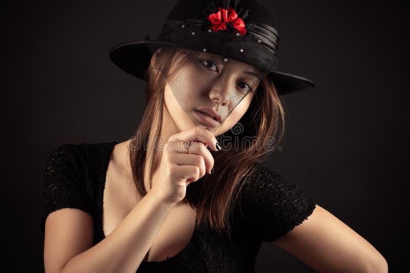 Het gemengde meisje van de Ras Koreaanse Russische tiener met versluierd gezicht royalty-vrije stock foto