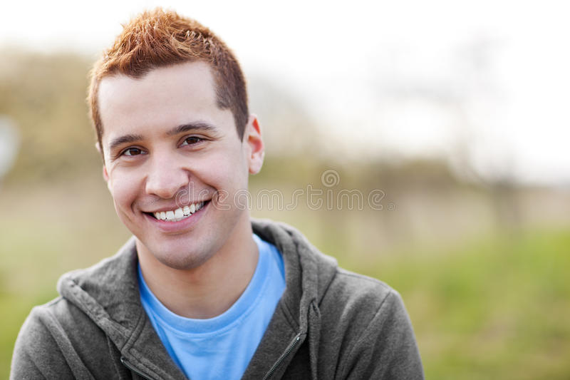 Het gemengde rasmens glimlachen royalty-vrije stock foto's