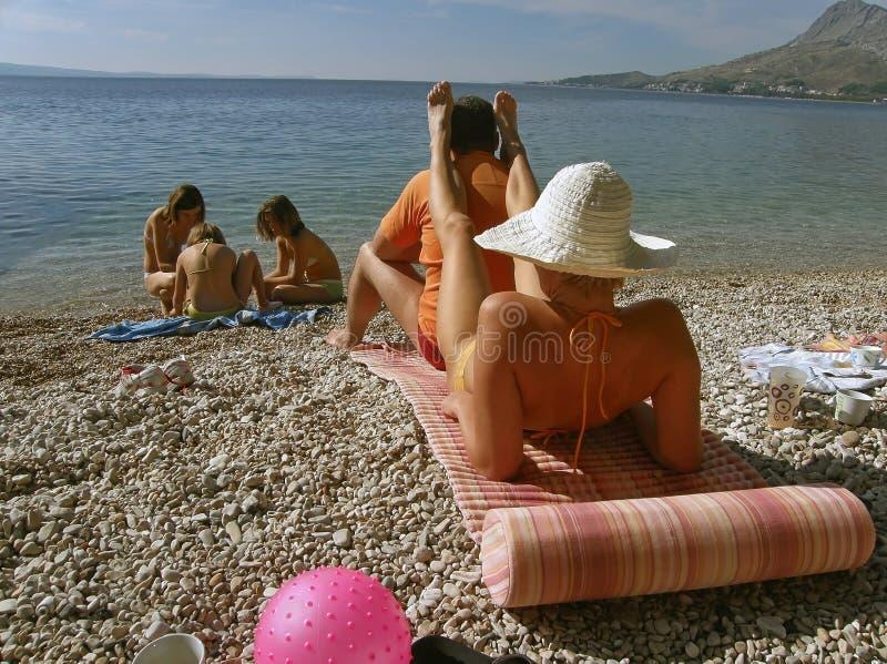 Het genieten van de van de zomervakantie stock foto