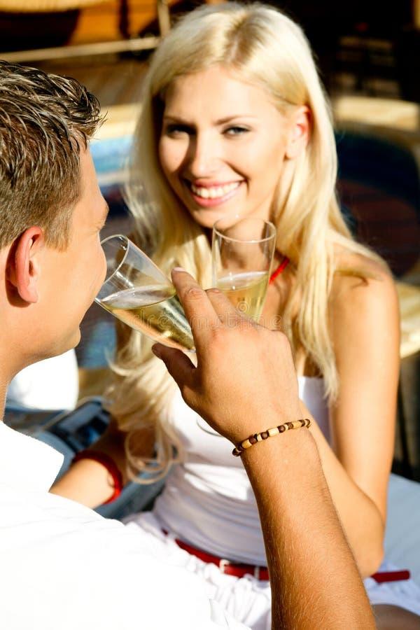 Het genieten van de van drank stock fotografie