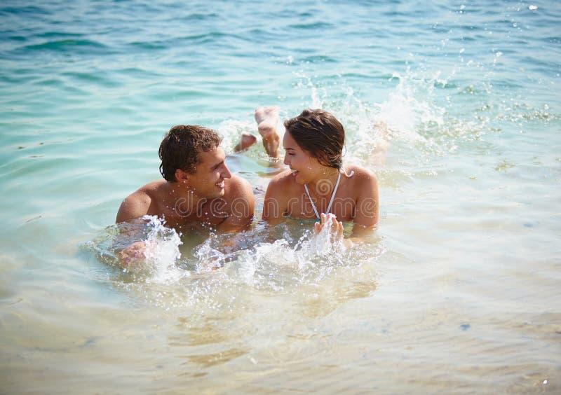 Het genieten van van water royalty-vrije stock foto's