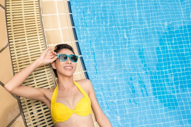 Het genieten van van zonnige dag royalty-vrije stock foto's
