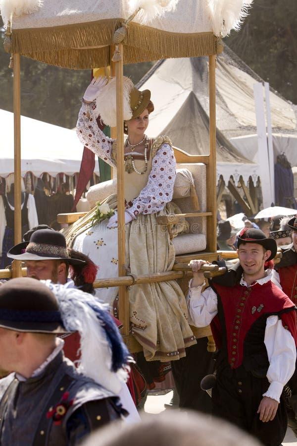 Het Genoegen Faire van de renaissance - Optocht 3 van de Koningin stock afbeeldingen