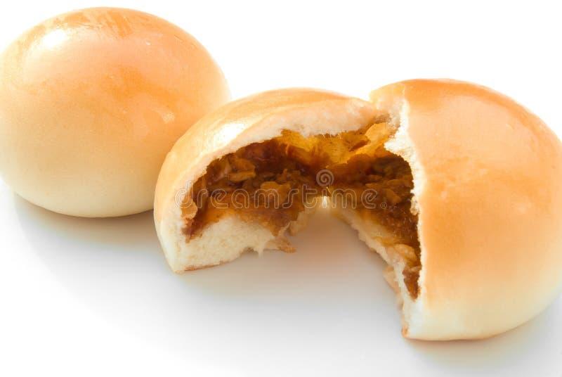 Het geopende gouden broodje van het barbecuevarkensvlees royalty-vrije stock foto's