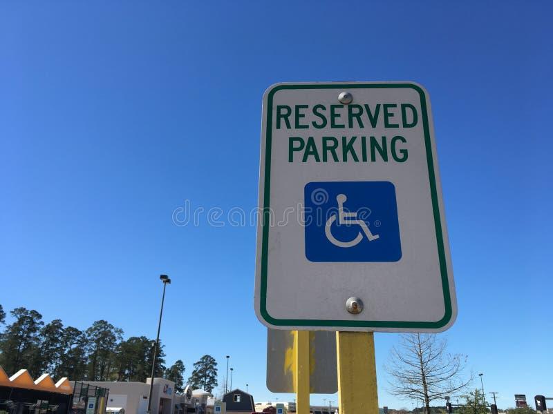Het gereserveerde Teken van het Handicapparkeren royalty-vrije stock foto's