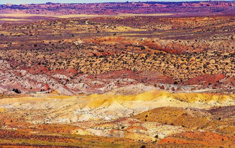 Het geschilderde van het het Land Oranje Zandsteen van het Woestijn Gele Gras Rode Vurige Bont stock fotografie