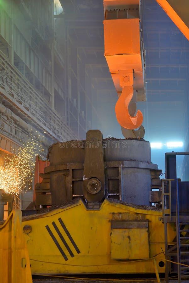 Het gesmolten staalvervoer royalty-vrije stock fotografie
