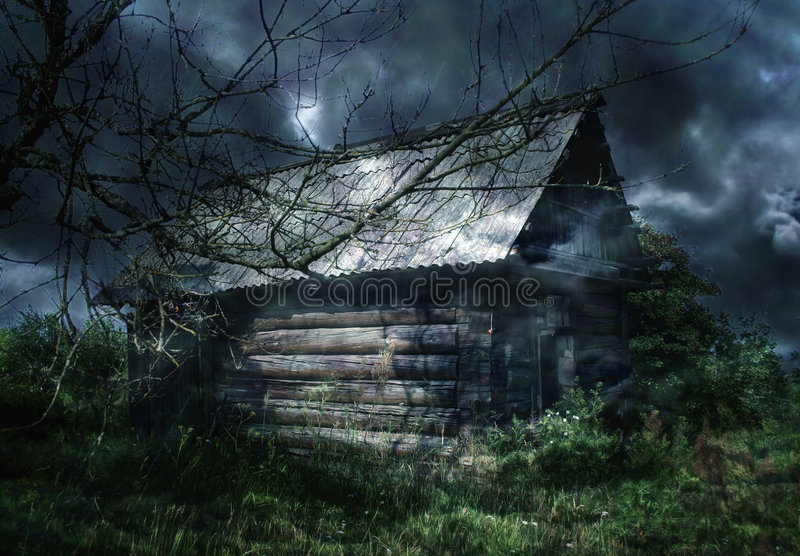 Het geworpen plattelandshuisje royalty-vrije stock afbeelding
