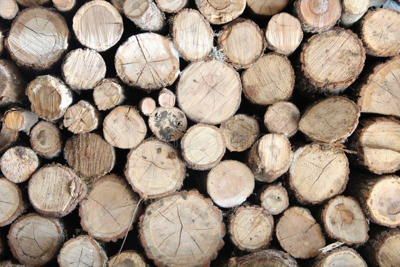 Het gezaagde brandhout royalty-vrije stock afbeeldingen