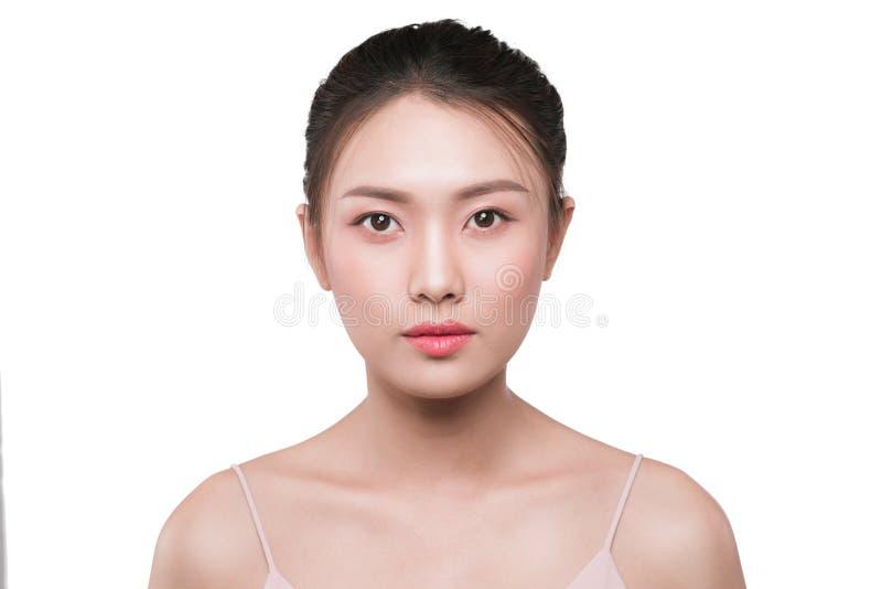 Het gezichtsportret van de schoonheids Aziatisch vrouw met perfecte verse schone huid stock afbeeldingen