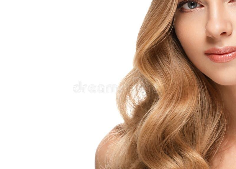 Het gezichtsportret van de schoonheidsvrouw Beautiful spa modelmeisje met perfecte verse schone huid stock fotografie