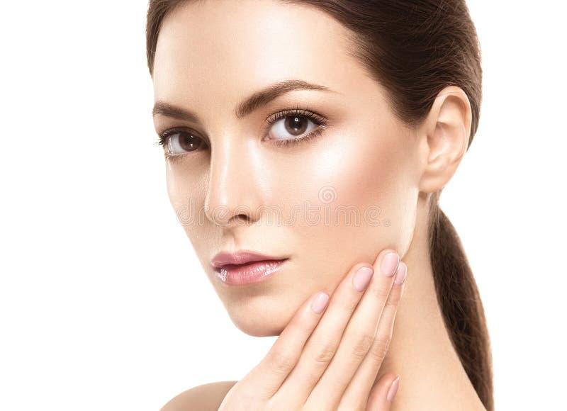 Het gezichtsportret van de schoonheidsvrouw Mooi modelGirl met Perfecte Verse Schone Huid royalty-vrije stock fotografie