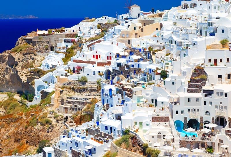 Het gezichtspunt van het Santorinieiland van Oia dorp, Santorini, Griekenland stock foto