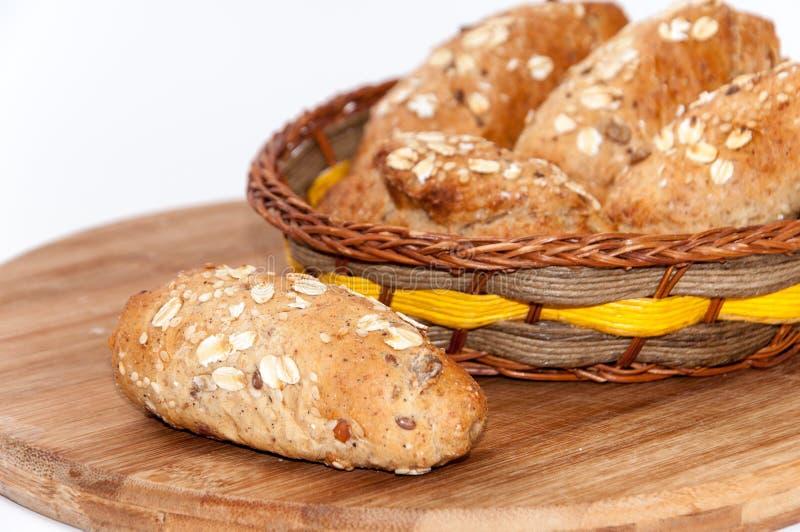Het gezonde brood van de de zaden integrale bloem van voedselgraangewassen stock fotografie