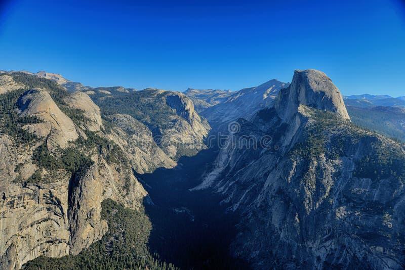 Het gletsjerpunt overziet mening en Halve Koepel in Yosemite Nationaal P stock afbeeldingen