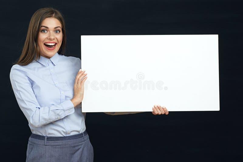 Het glimlachen bedrijfsvrouwenportret met tekenraad royalty-vrije stock afbeeldingen