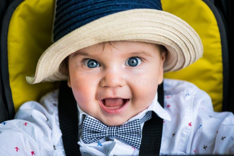 Het glimlachen de close-upportret van de babyjongen royalty-vrije stock afbeelding