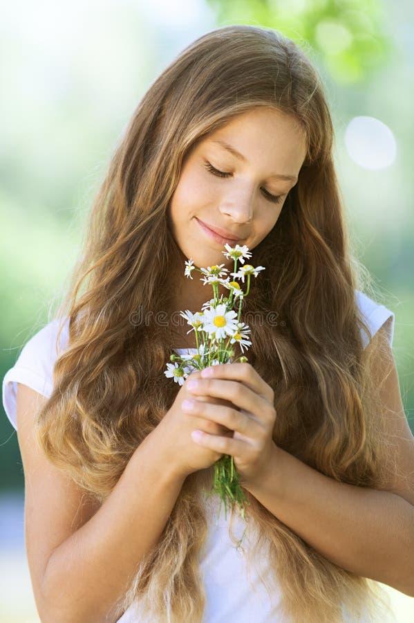 Het glimlachen mooie tiener royalty-vrije stock foto