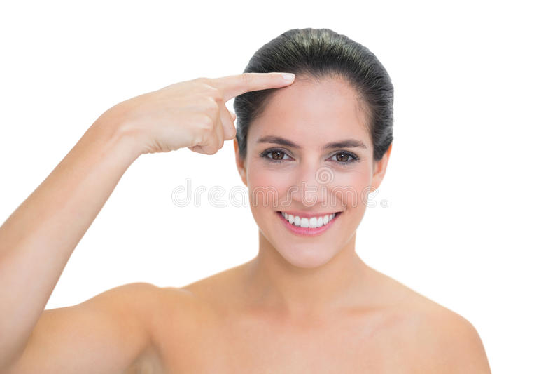Het Glimlachen Naakt Brunette Wat Betreft Voorhoofd Stock Foto's