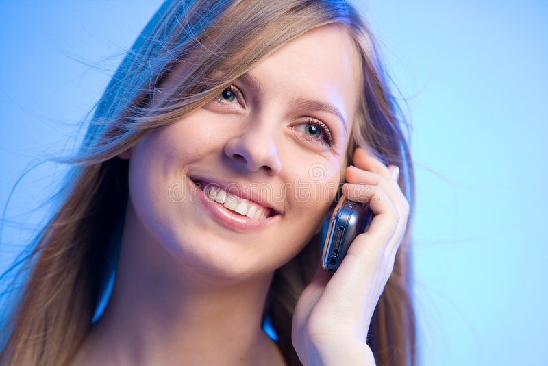 Het glimlachen schoonheid het telefoneren royalty-vrije stock fotografie
