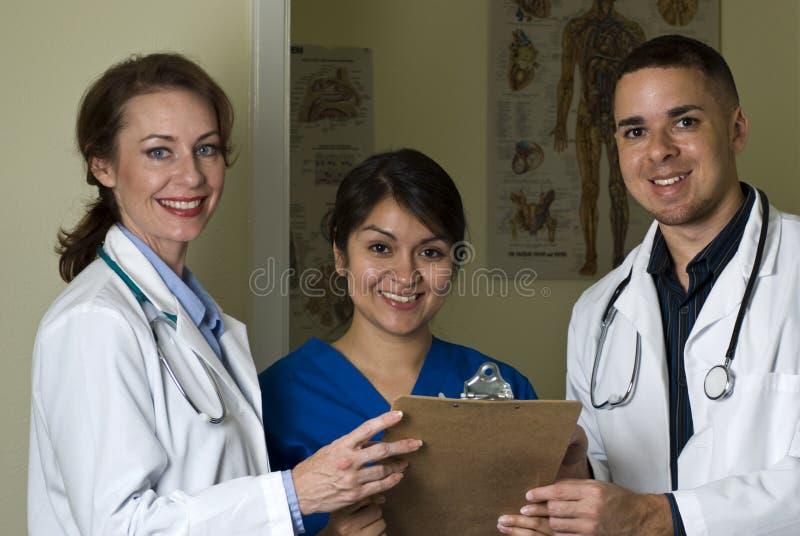 Het Glimlachen van artsen & van de Verpleegster royalty-vrije stock foto's