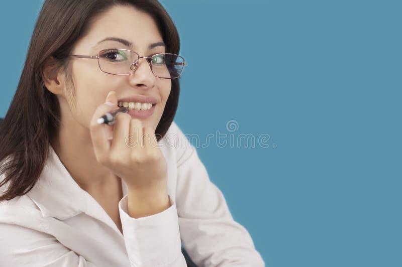Het glimlachen van de vrouw stock fotografie