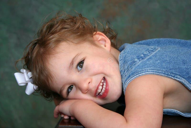 Het Glimlachen van het meisje stock foto's