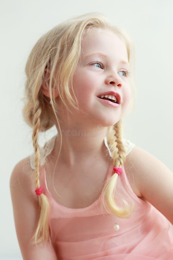 Het glimlachen van het meisje royalty-vrije stock foto's