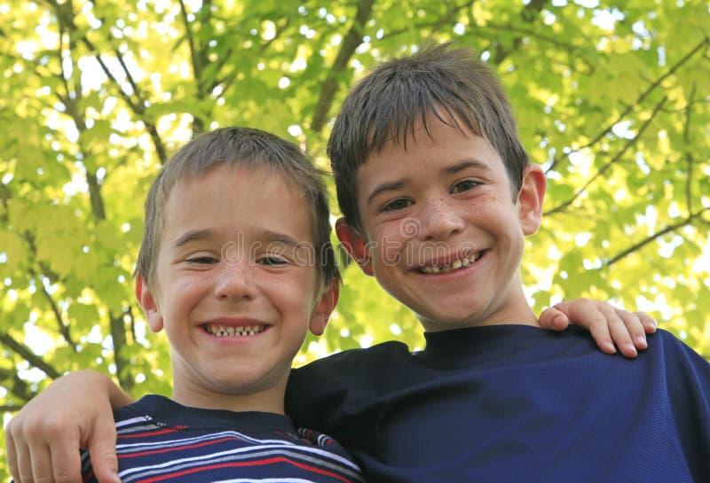 Het Glimlachen van twee Jongens royalty-vrije stock foto
