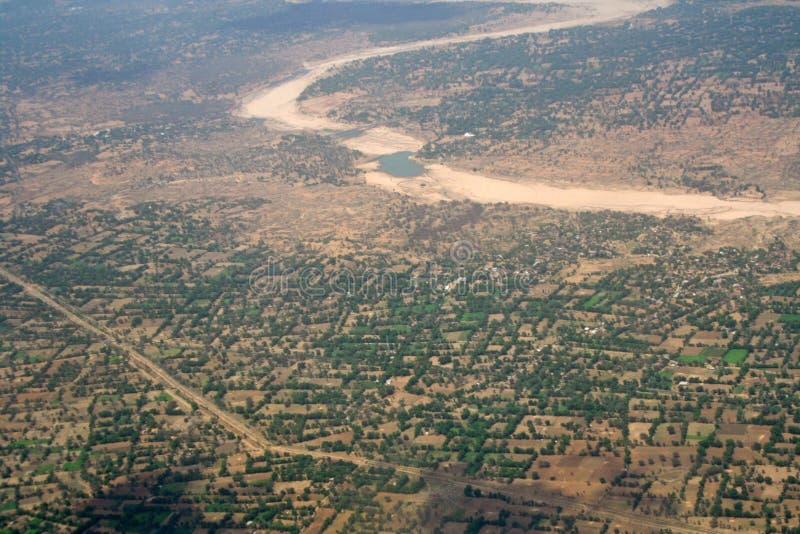 Het globale Verwarmen - luchtmening van opgedroogde rivieren I royalty-vrije stock afbeelding