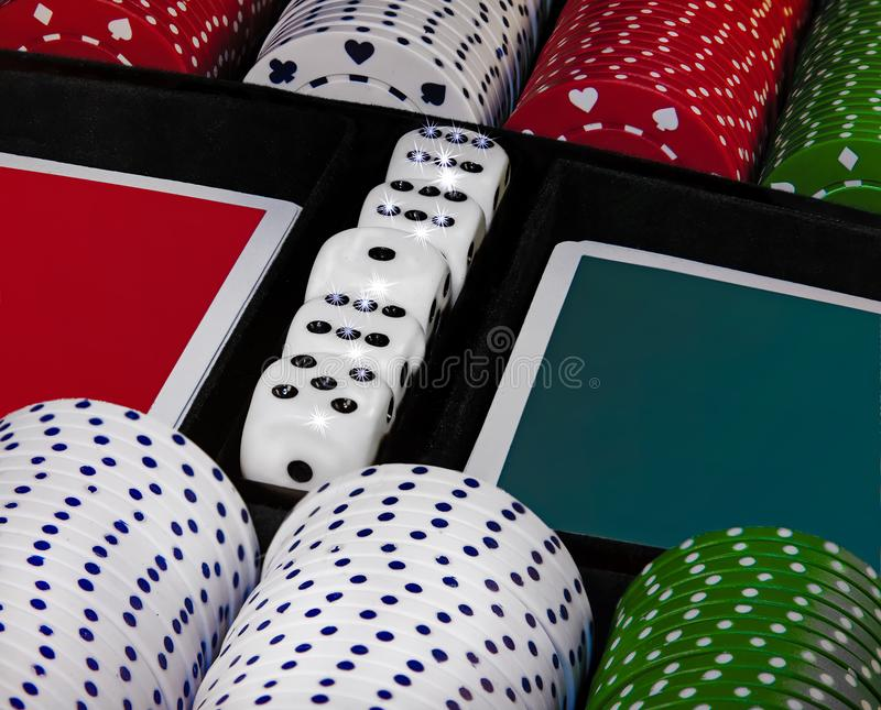 Het gokken van het casino spaanders Ge?soleerd beeld stock afbeelding