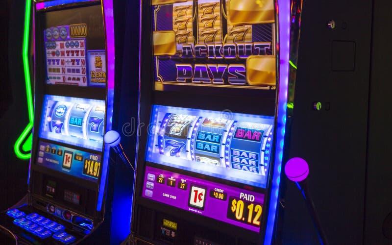 Het gokken van machines in Hotel en Casino stock fotografie
