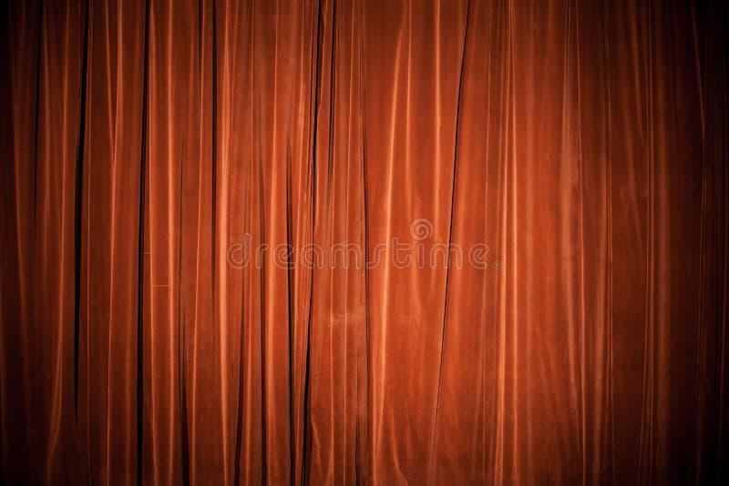 Het gordijn van het fluweel roodbruine textuur als achtergrond royalty-vrije stock foto's