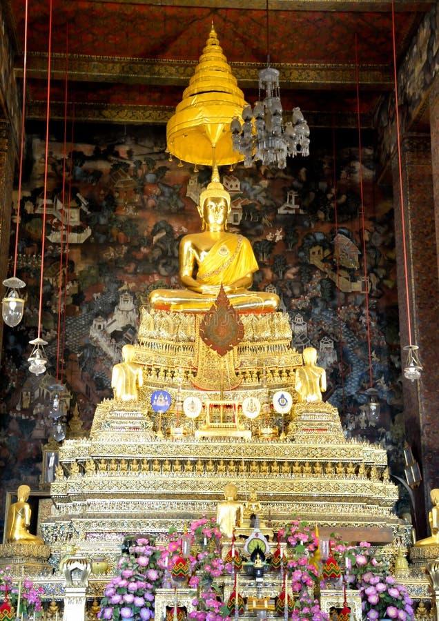 Het gouden beeldhouwwerk Thai van Boedha royalty-vrije stock foto