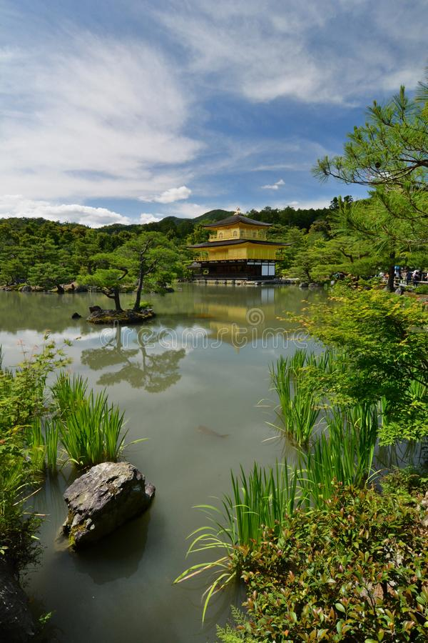 Het gouden Paviljoen Zen boeddhistische tempel Kinkaku -kinkaku-ji kyoto japan stock foto's