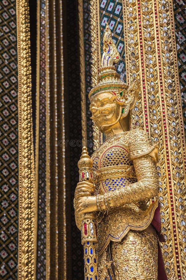 Het gouden standbeeld van Boedha in het Grote Paleis, Bangkok royalty-vrije stock afbeeldingen