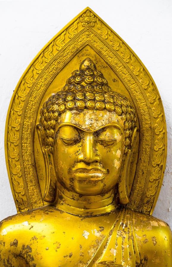 Het gouden standbeeld van Portretboedha stock afbeelding