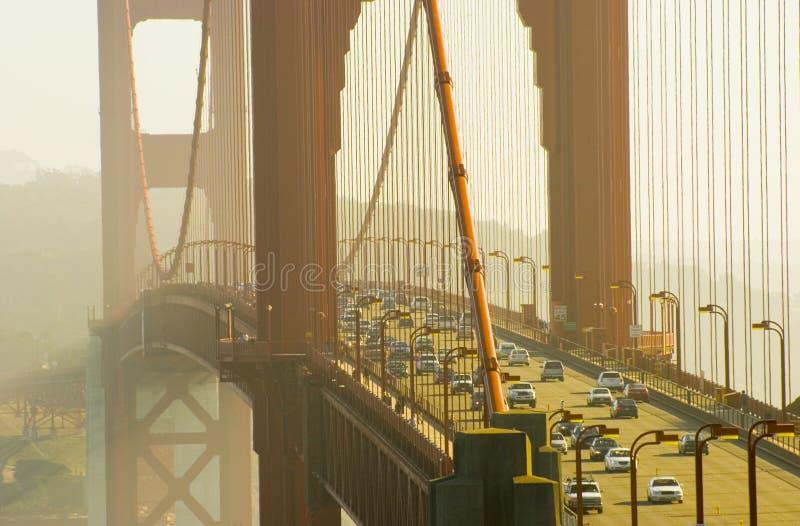 Het gouden verkeer van de Brug van de Poort, San Francisco stock fotografie