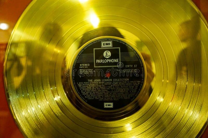 Het gouden verslag van John Lennon stock foto's