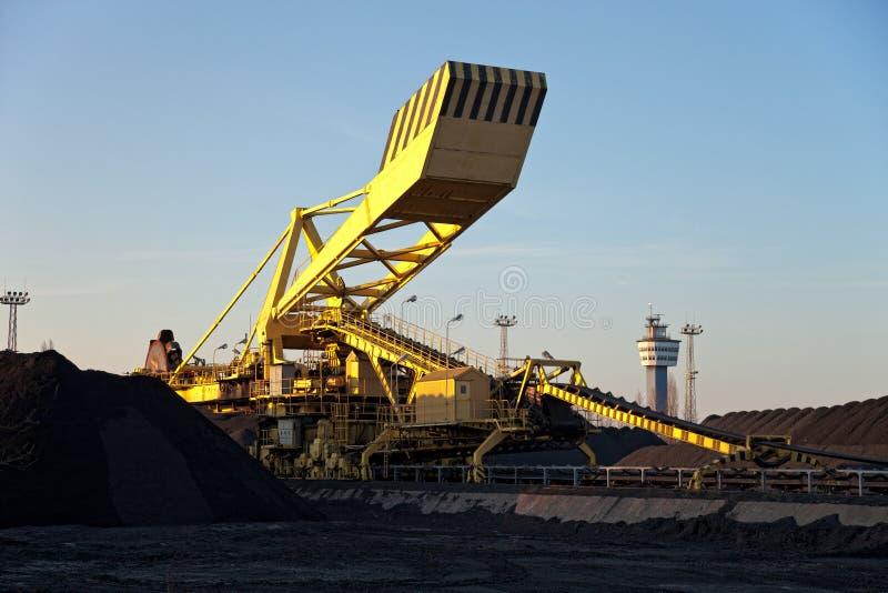 Het graafwerktuig van de steenkool stock afbeelding